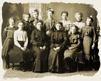 """A group of pioneer teenagers with their chaperones"", 190-?"